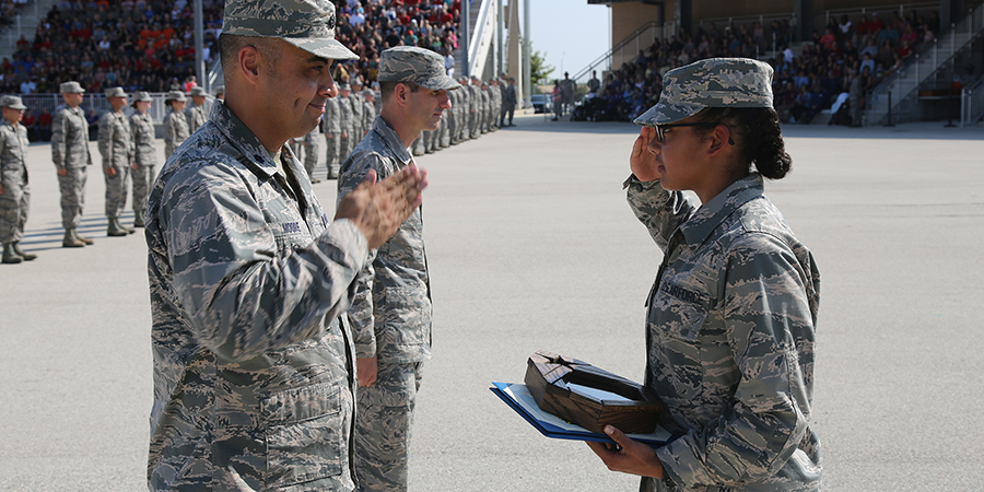 2019 grad Jennifer Skeeter salutes Air Force officers